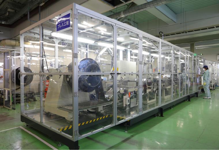 負極生産設備の設備の写真