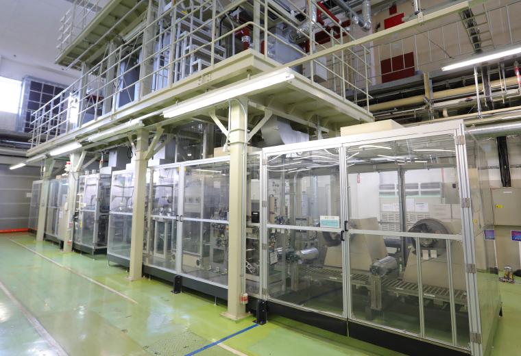 正極生産設備の写真